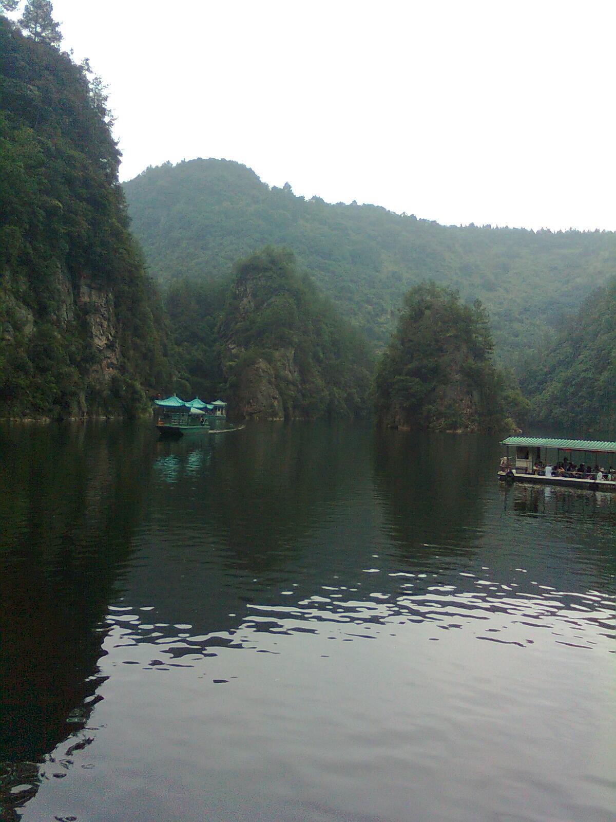 宝峰湖.jpg