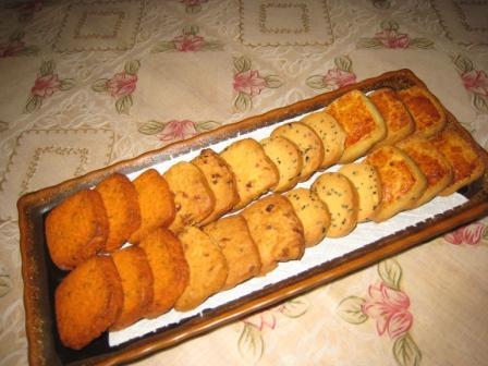 四款饼干(椰丝奶酥、花生芝麻饼、蔓越莓奶香饼干、黄金芝士香芹饼).JPG