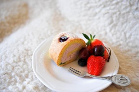 蓝莓蛋糕卷4.JPG