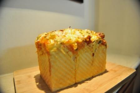 洋葱培根奶酪土司3.JPG