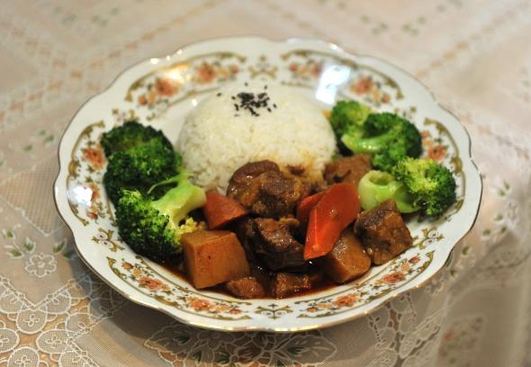红咖喱牛腩饭.JPG